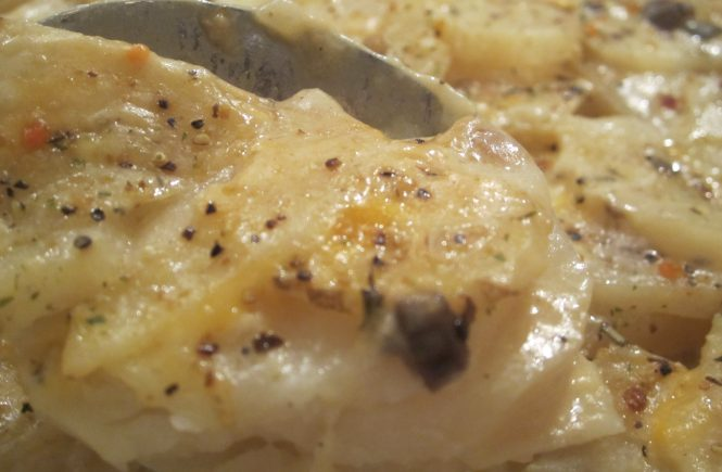 Easy creamy Scalloped Potatoes